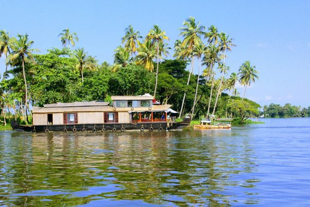 Travel India on a Low Budget - Alleppey